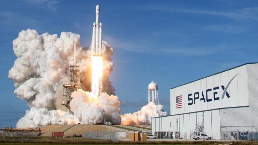 Компания SpaceX Илона Маска ведет переговоры о привлечении средств на сумму в 44 миллиарда долларов