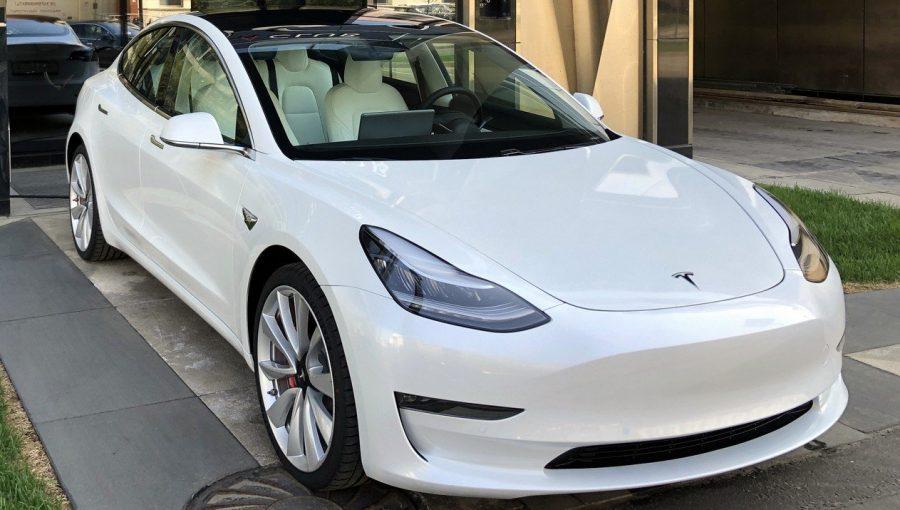 Tesla дробит акции, чтобы они стали доступнее для покупки